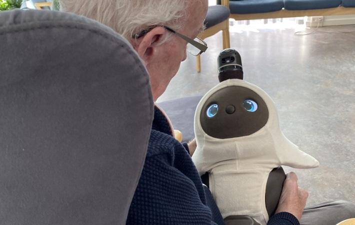 Robotten Lovot til øget livskvalitet for demente
